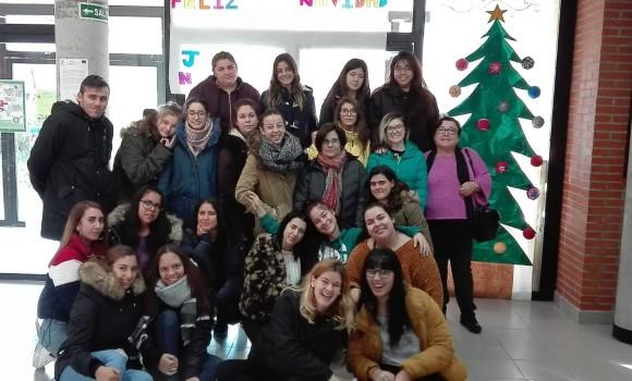 Los alumnos/as del Ciclo Formativo del IES El Álamo os desean Feliz Navidad